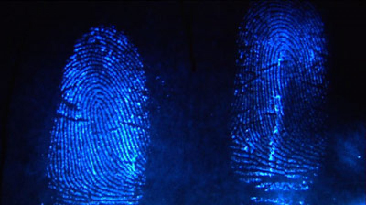 methods in latent fingerprint discovery Lifting latent fingerprints from difficult surfaces written and lift a latent print that happens to be in a thereby enhancing the detail in the fingerprint.